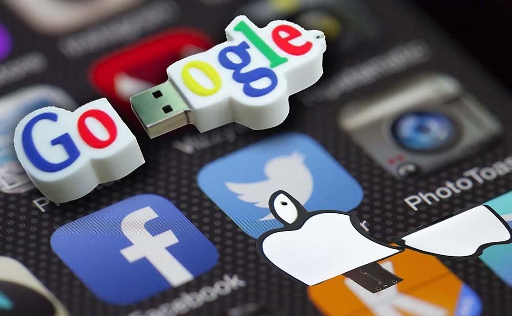 Cle USB logo PVC Sur mesure Publicitaire